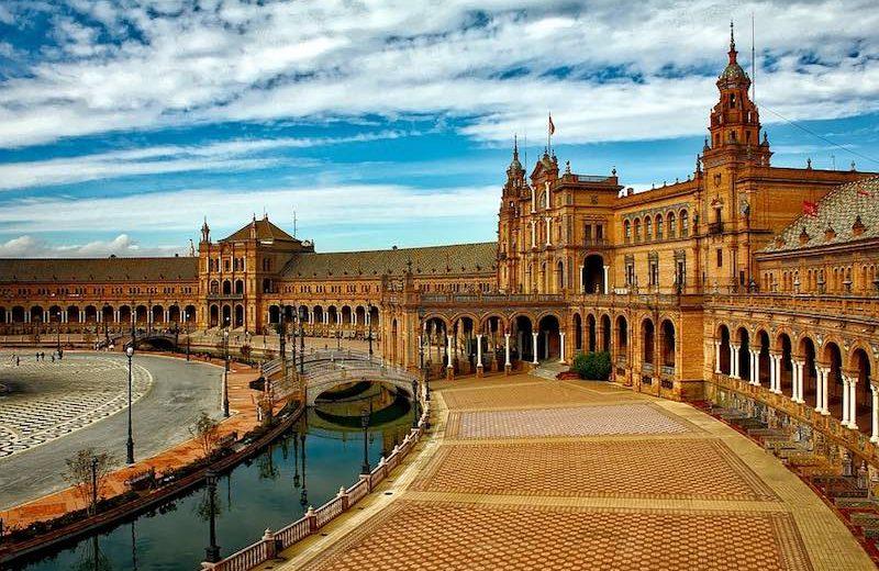 Spanje populair als veilige en voordelige bestemming